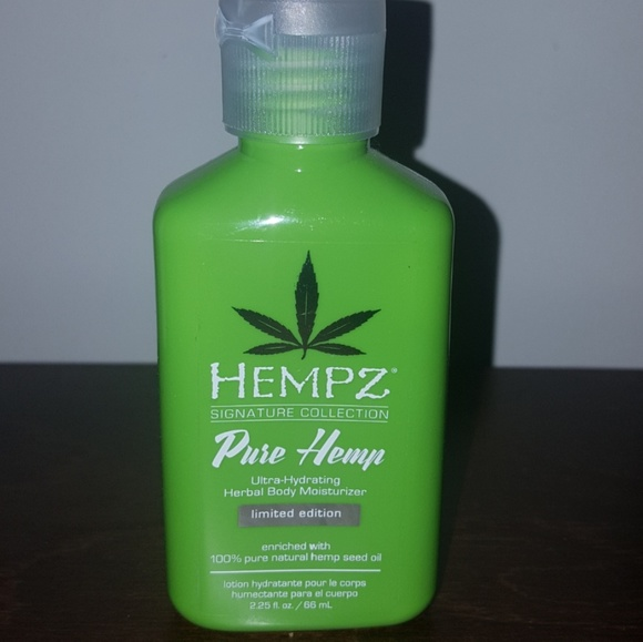 Hempz Other - Body lotion